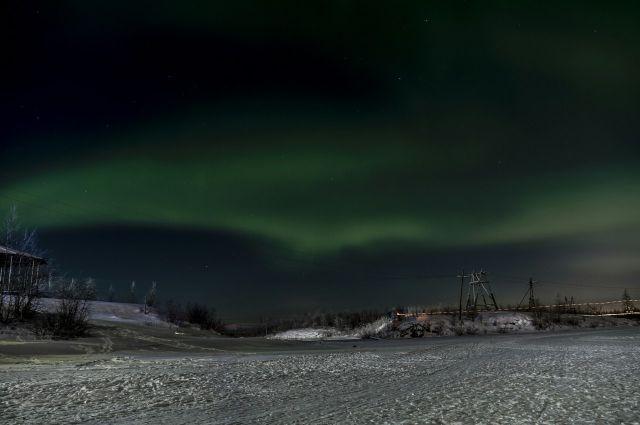 Во время полярной ночи северное сияние выглядит потрясающе красиво.