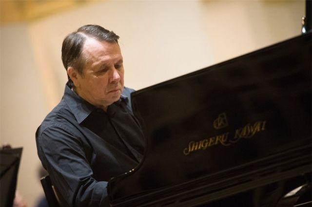 Михаил Плетнёв будет играть на своём рояле премиум-класса Shigeru KAWAI, разработанном японской фирмой KAWAI лично для него.