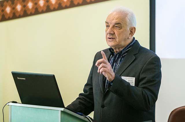 Николай Цхадая 22 года возглавлял университет.