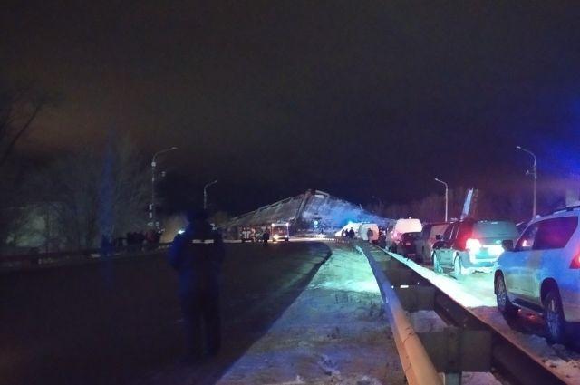 В Оренбурге на объездном шоссе обрушился виадук.