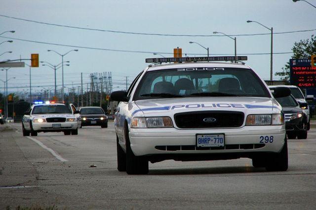 В Канаде при столкновении автобуса и автокрана пострадали трое детей