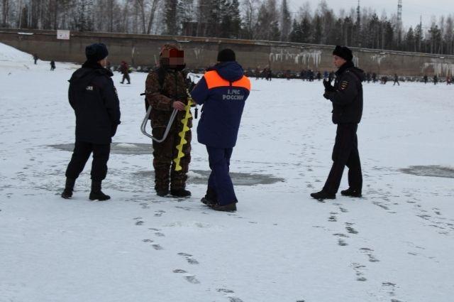 В отношении двух пермяков, нарушивших правила, сотрудниками транспортной полиции составили протоколы об административном правонарушении.