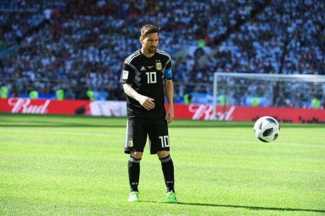 Месси получил рекордный шестой «Золотой мяч»