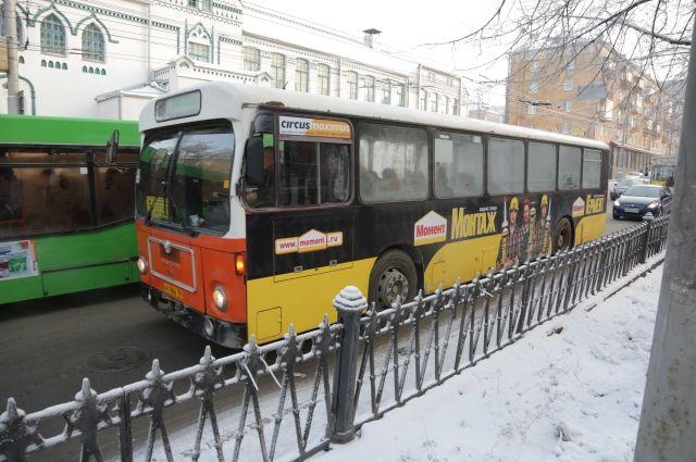 Также скорректирую время движения автобусов №2 и 3.