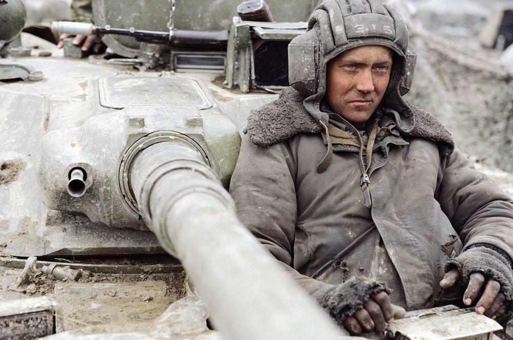 23 сентября президент России Борис Ельцин подписал указ о создании Объединенной группировки войск на Северном Кавказе для проведения контртеррористической операции.