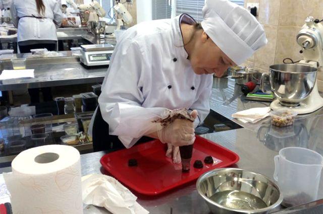 Профессия повара даёт стопроцентную гарантию на трудоустройство.