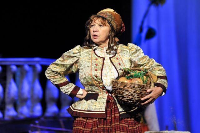 Актриса служила в ТЮЗе и Галёрке.
