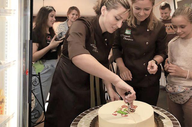 «Кому тортик?» - с такого объявления в соцсети началась собственная пекарня.