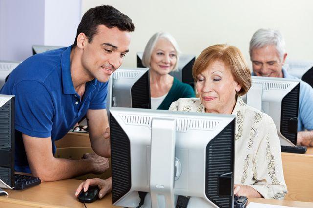 Теоретическая часть обучения по всем специальностям проходит с использованием цифровой техники.