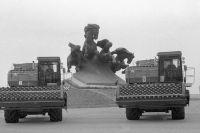 Увидев новый комбайн «Дон-1500» (на фото), Л. Брежнев сказал: «Ёлки-палки, неужели это наши конструкторы смогли сотворить!»