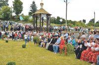 Часовня в парке «Барский источник» стала центром жизни села Береговое.