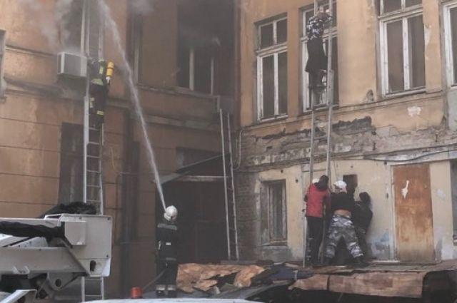 В центре Одессы произошел масштабный пожар, есть пострадавшие