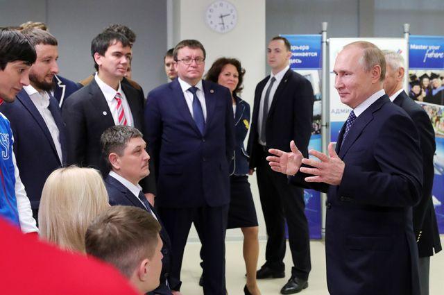 Президент России Владимир Путин на встрече с российскими спортсменами-паралимпийцами.