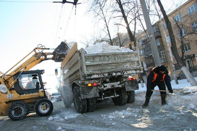 Губернатор Алексей Текслер призвал писать ему в Инстаграм о тех участках, где есть проблемы с уборкой снега.