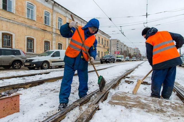 За несколько часов в Иркутске выросли огромные сугробы.