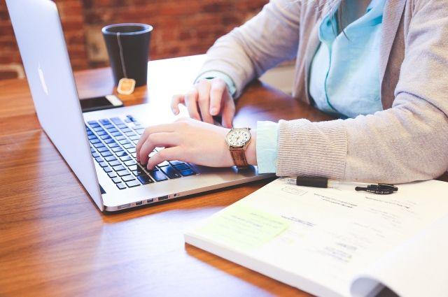 Поставщики ресурсов советуют учиться платить по счетам через интернет.