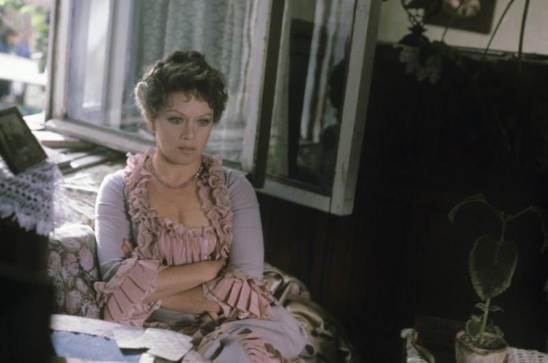 «Жестокий романс» (1984) — Харита Игнатьевна Огудалова.