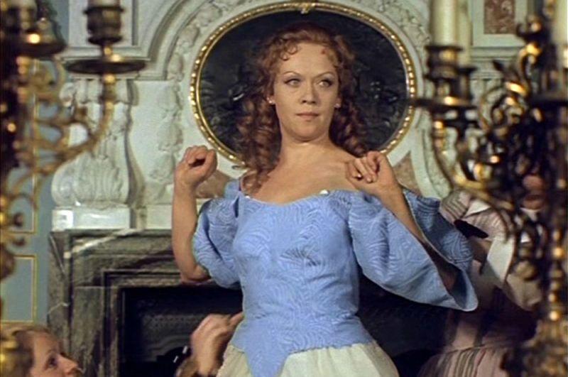 «Д'Артаньян и три мушкетёра» (1978) — королева Анна Австрийская.