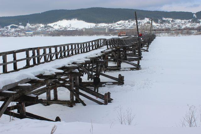 Деревянный мост в Белорецке.