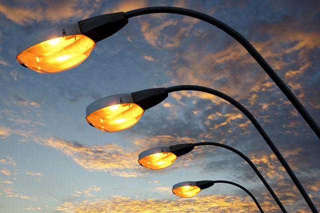 В Ленинградском районе временно отключат уличное освещение