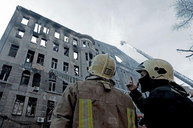 В Одессе продолжаются работы по ликвидации пожара в здании: детали трагедии