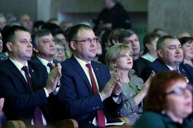 Кемеровчане, внесшие вклад в развитие района, получили медали и грамоты.
