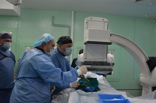 Врачи разных клиник Тюмени объединились, чтобы спасти ребенка