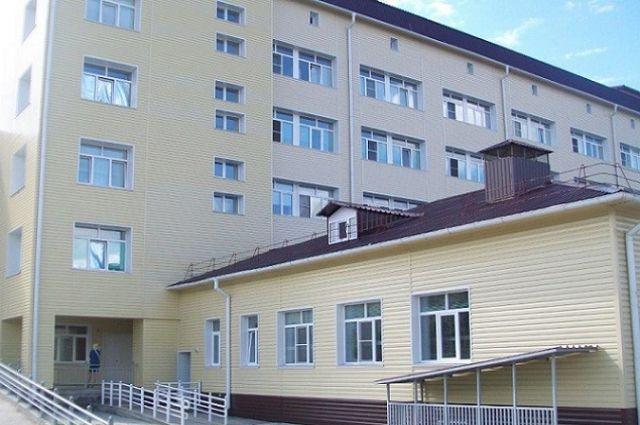 сданный в аренду участок, расположенный около центральной районной больницы, изначально предназначался для строительства детской поликлиники.