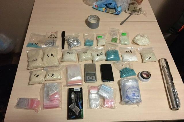 В Тобольске задержали тюменца, который хотел заработать на наркотиках