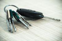 Улучив момент, подозреваемая незаметно взяла ключи от автомобиля потерпевшего и отправила кататься по городу.