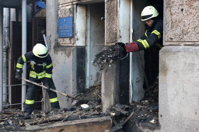 Масштабный пожар в Одесском колледже: под завалами обнаружили еще два тела