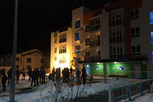 Холопок газа произошел в новом, еще не полностью заселенном 4-этажном доме.