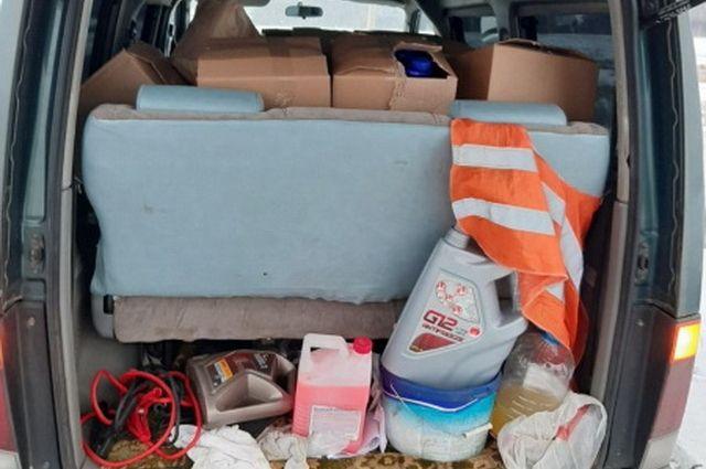 Машина была под завязку набита бутыклами с контрафактом