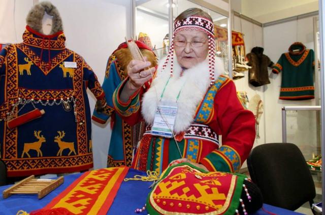 На Ямале присвоили звания мастерам фольклорного жанра