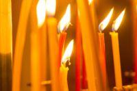 На похороны трагически погибшей семьи в Можге пришли более 70 человек