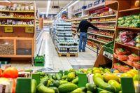 Украинцы тратят на питание почти половину заработанного