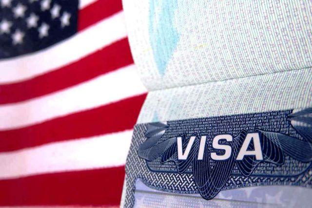 Украинцам отказывают в визе США почти в половине случаев
