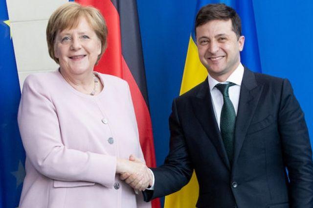 Меркель прокомментировала возможность пересмотра Минских соглашений