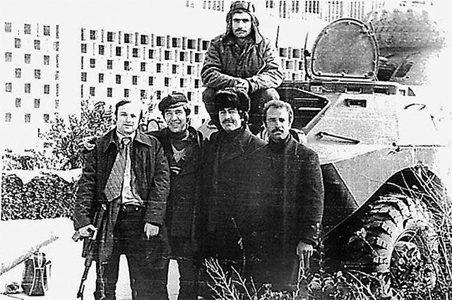Герат, 1980 г. Николай Захаров – второй слева. Крайний слева – Геннадий Кулаженко (погиб 28 июня 1981 г.).
