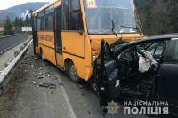 Во Львовской области произошло ДТП со школьным автобусом, есть пострадавшие