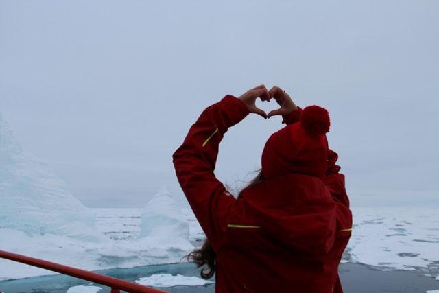 16-летняя Аня побывала на Северном полюсе в составе специального детского рейса.