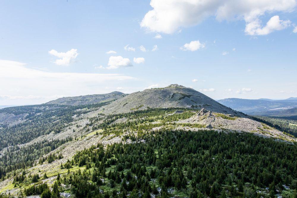 Широкий Машак. Высота - 1370 метров.