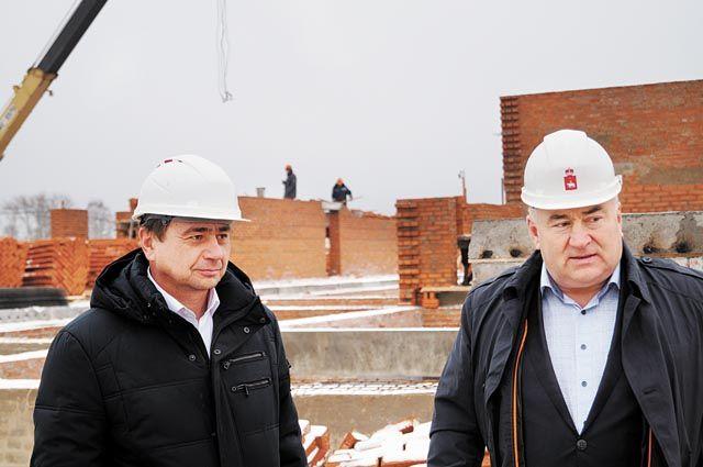 Строительство социальных объектов – детсадов, школ, больниц – это важно для развития территории.