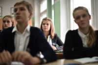 Сегодня, согласно статистике Минпросвещения РФ, 50% 9-классников страны целенаправленно уходят из школ и поступают в колледжи и техникумы.