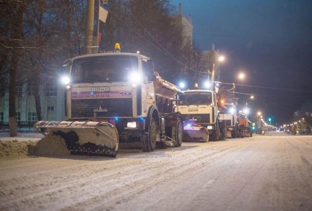 Глава города Андрей Борисов заверил, что снегоуборочная техника в Смоленске полностью готова к зиме.