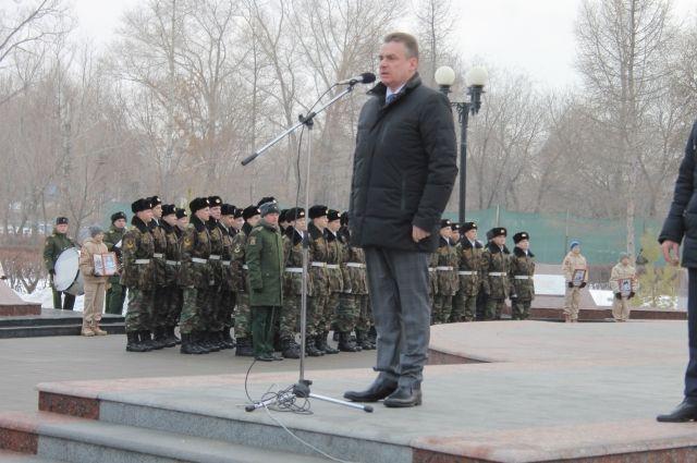 В Оренбурге проходят торжественные мероприятия, посвященные 25-летию чеченской войны.