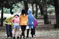 Больше интересуйтесь тем, где и с кем проводит время ваш ребёнок.