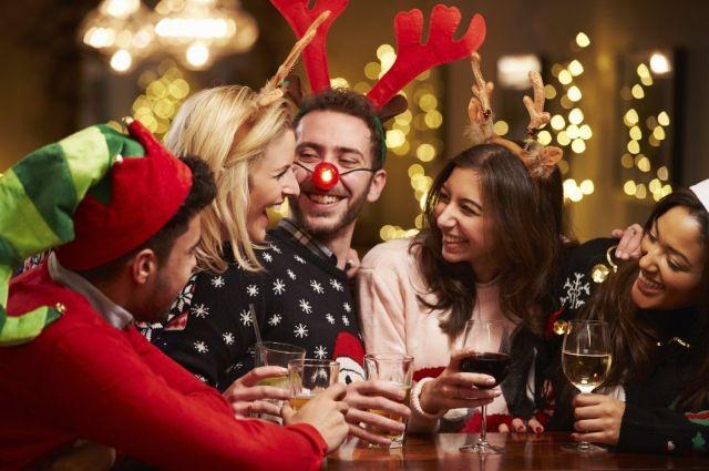 «Новогодняя вечеринка»: подборка игр и конкурсов для веселого празднования