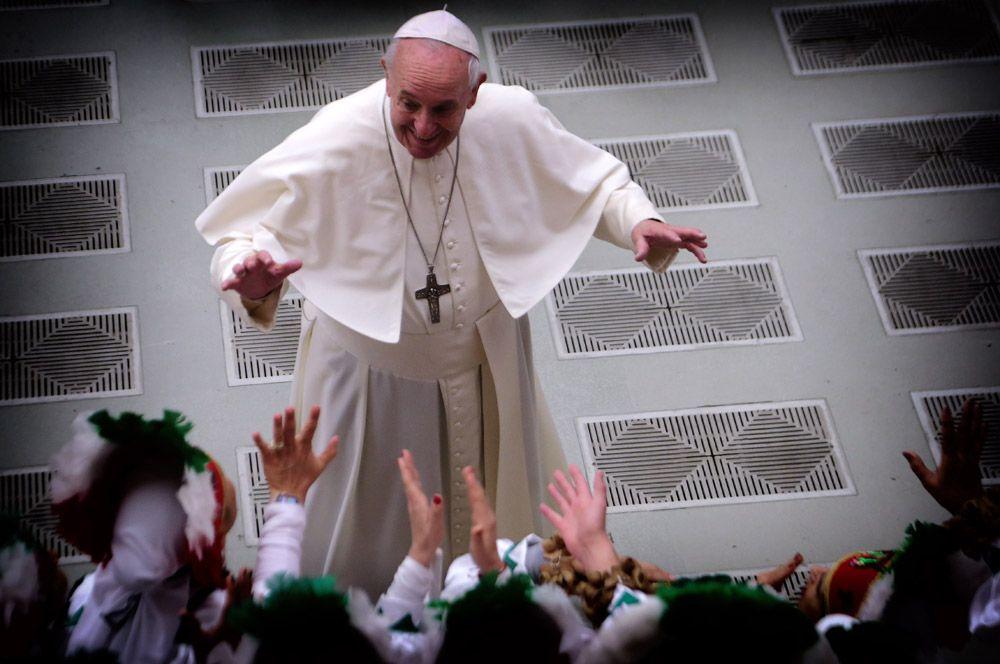 2013 год — Папа Римский Франциск, избранный главой Римско-Католической церкви после отречения Бенедикта XVI.