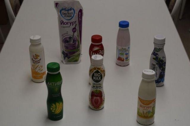 На вкус и цвет йогурты оценивали студенты и школьники.